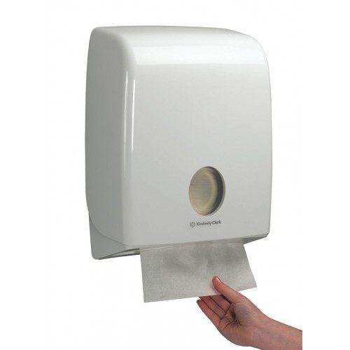 Aquarius gevouwen handdoek dispenser C-gevouwen